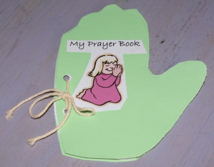 Toddler prayer craft teaching a toddler or preschooler for Thanksgiving crafts for kids church